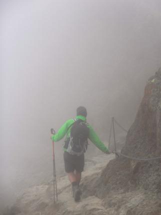 Abstieg von der Similaunhütte im Nebel
